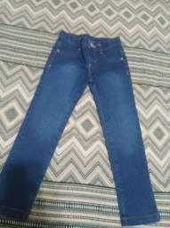 Vendo vestido e calça jeans