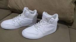 Título do anúncio: Tênis Couro Cano Alto Nike Recreation Mid Masculino