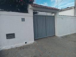 COD C-129 casa no bairro do Valentina com 4 quartos ótima localização