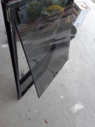 Vendo janela 60x60, basculante em alumínio preto