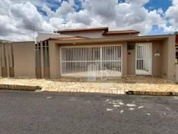 Casa com 3 quartos à venda, 190 m² por R$ 500.000 - Santa Mônica - Uberlândia/MG