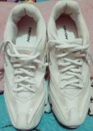 Sapato Tênis-Tryon