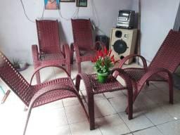 Conjunto de cadeiras com mesa 650