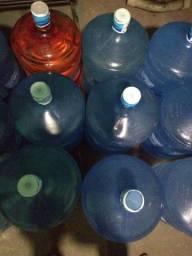 Vendemos garrafão de água ano 2024