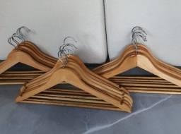 Cabides de madeira - Conjunto com 6 unidades