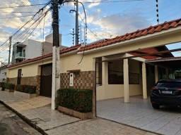 Excelente casa no Cj Arauanã 4 quartos Piscina Edícula