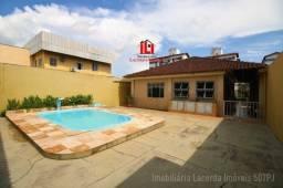Casa no Bairro Parque 10, Piscina, Prox DB Pq10