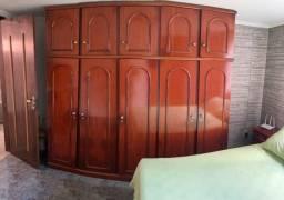 Guarda-roupas cinco portas