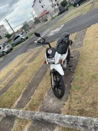 Vendo essa moto ou troca no carro