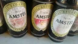 Garafas de cerveja. Amstel