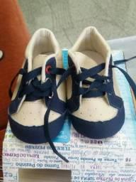 Sapatos e sandálias menino. Tamanhos 16 a 19
