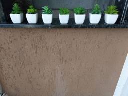 7 mini vasos de cerâmica com suculentas