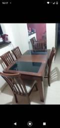 Mesa expansiva com 6 cadeiras