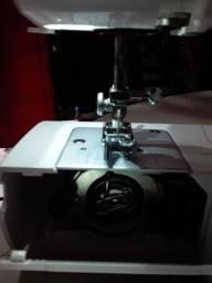 Uma máquina de costura