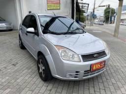 Fiesta sedan 1.6 Flex / Prata / Completo 2009