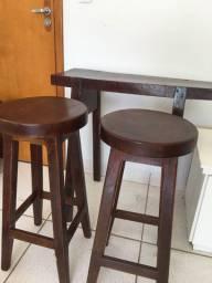 Banquetas e aparador madeira maciça