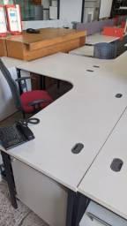Mesa escritório com cadeira