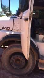Caminhão LB2220