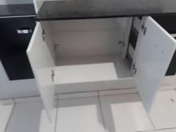 Vendo um armario de cozinha novo