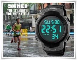 Relógio Digital Titanium Visor Extra Forte Esportivo