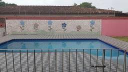 Alugo bela casa em Mosqueiro, com piscina, 03 quartos, bem localizada.