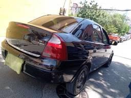 Corsa sedan Maxx 1.8 2004/2005