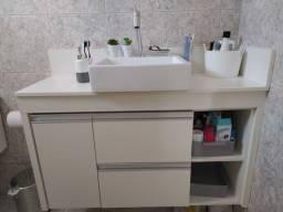 Armário de banheiro sob medida