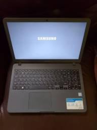 Notebook Samsung E30 Essentials