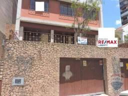 Casa para locação na Rua Tiradentes , com 10 cômodos, próximo ao centro, ideal para clinic