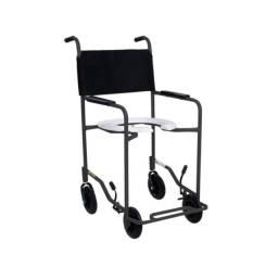 Cadeira para banho e necessidades de idosos