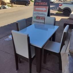 Jogo de mesa Miami (novo) com 4 cadeiras em courinho