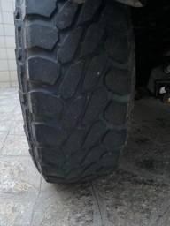 Pirelli SCORPION MTR MUD 215/75/15