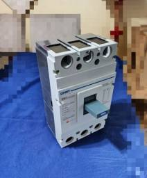 Disjuntor caixa moldada Chint 400A $600
