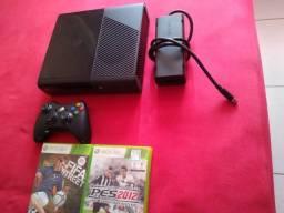 Título do anúncio: Vendo 2 Xbox 360 slim ótimo estado de tudo