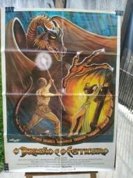 Cartaz cinema original O Dragão e o Feiticeiro de 1981.