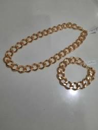Conjunto de colar e pulseira