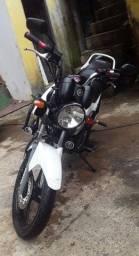 Moto yamaha factor valor 2012