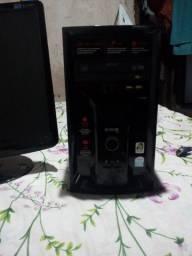 Computador: Monitor, CPU e Cabos
