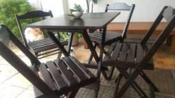 Jogo de mesa c/4 cadeiras,em madeira dobrável!!!