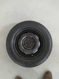 Vendo roda 13 c/pneu semi-novo