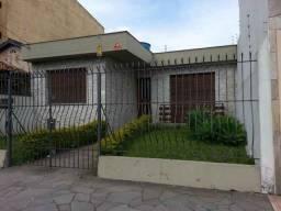 PELOTAS - Casa Padrão - CENTRO