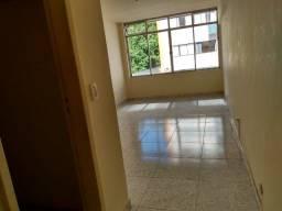 Alugo apartamento no Centro com um quarto - cod 91300