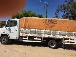 Vendo caminhão 710 ano 2010 extra c