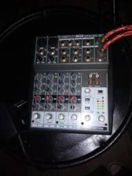 Mesa de som Behringer Xenyx 802 - Zerada