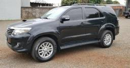 Hilux SW4 SRV 4X4 - 2012 - 7 Lugares - 2012