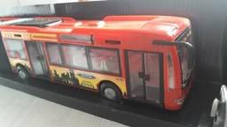 Vende-se ônibus sanfonado