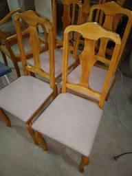 Cadeiras de madeira de antiquário