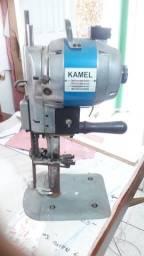 Maquina cortar tecidos profissional.