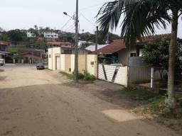 Casa com Terreno em excelente localização