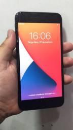 IPhone 8 Plus 64g não troco só venda 2400